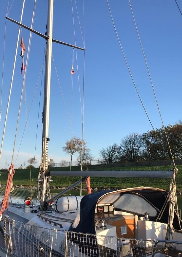 Victoire 1122 mast